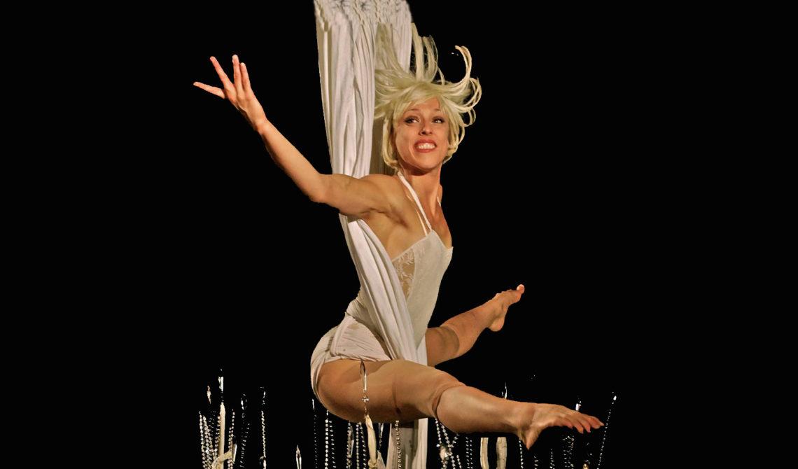 Caroline Rochefort circus artist