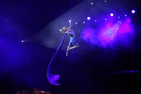 Ekaterina-Shustova-aerial-performer