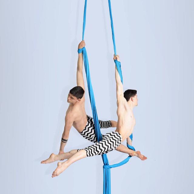 Iram-Ramírez-silks-duo