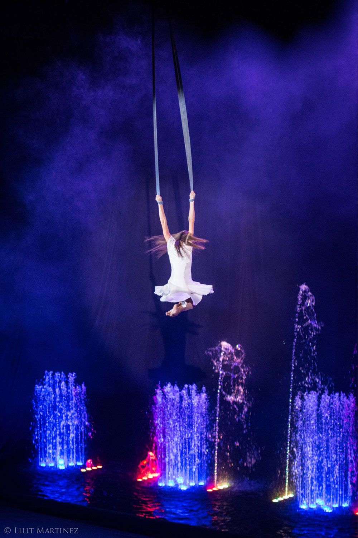 Veronika Teslenko aerial straps contortion