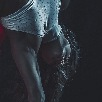 Yvonne-Smink-poledance-artist